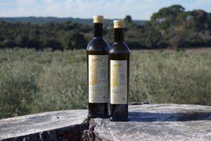 Huile d'olive provençale olives maturées fruité noir vierge extra AOP Aix en Provence Producteur local Mas Sénéguier